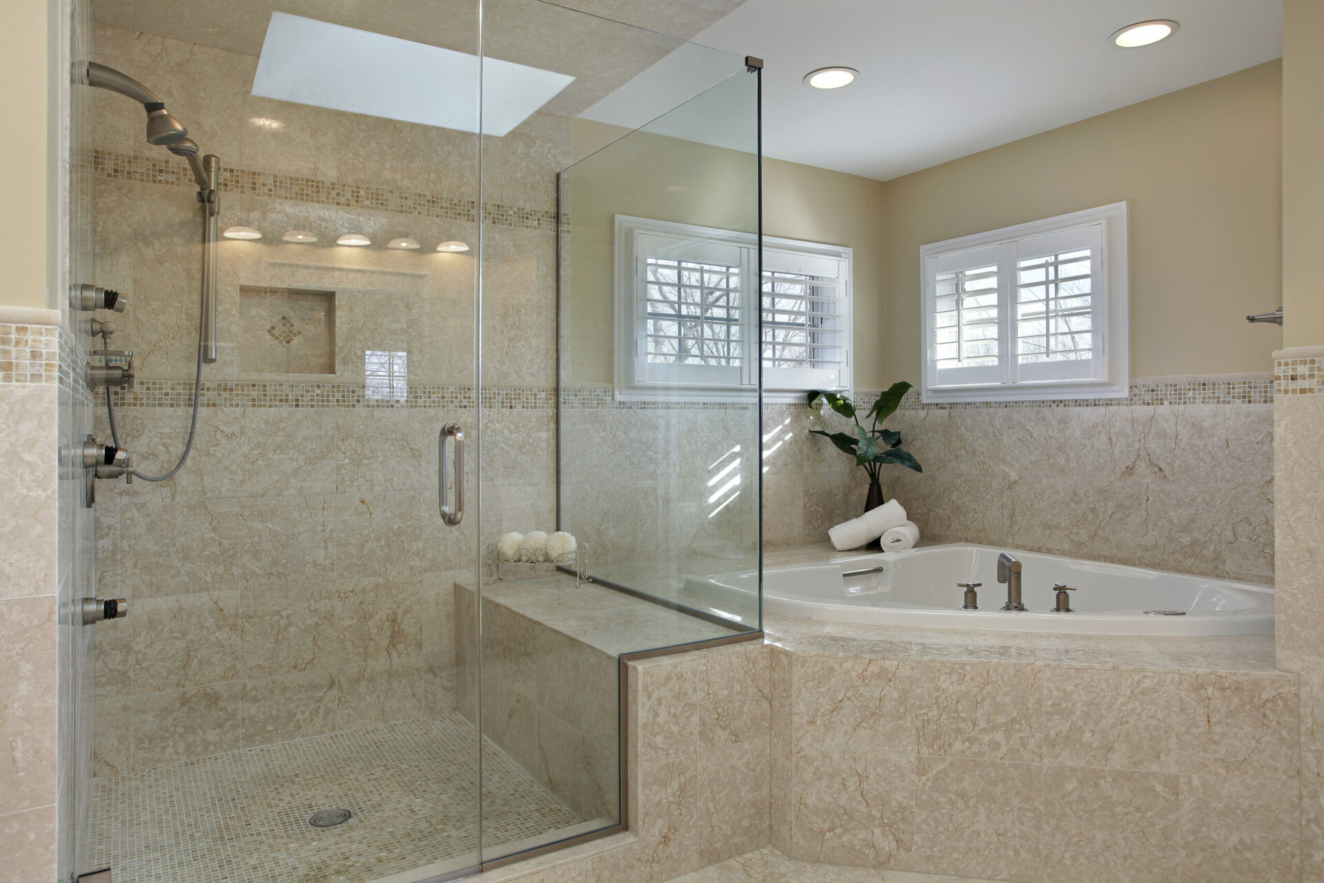 Badeværelse med glas