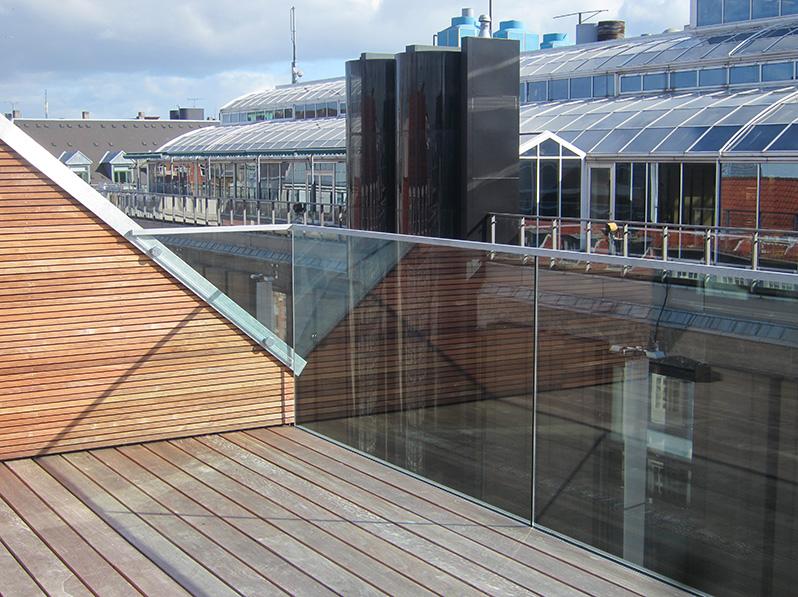 Glasværn på tagterrasse