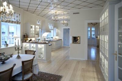 Glarmesteren laver mange forskellige løsninger i glas til din bolig