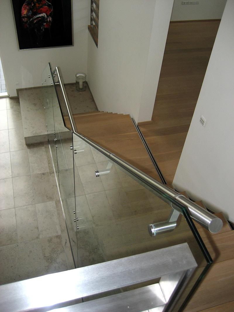 Glasværn på trappe
