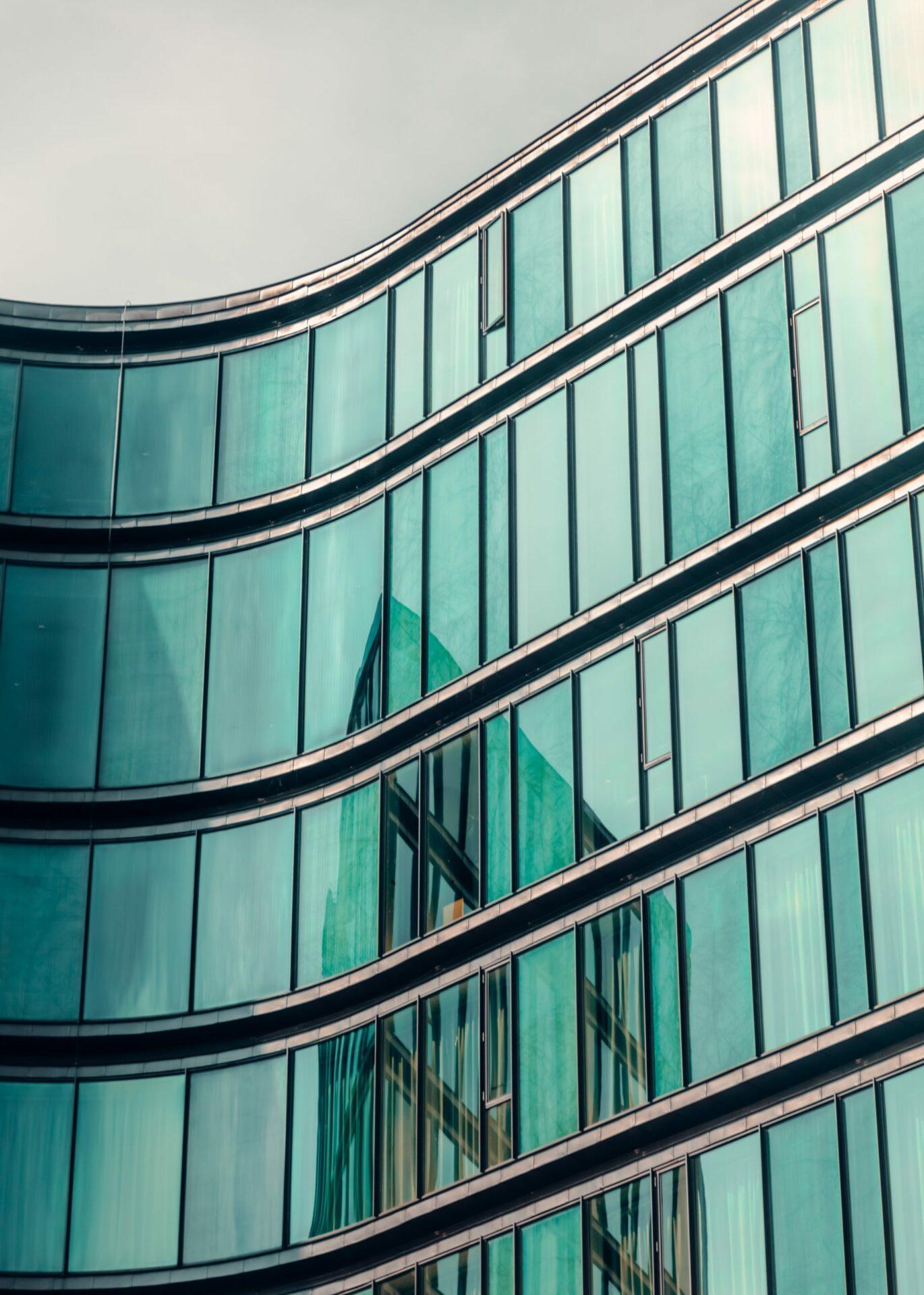Glasfacaden giver bygningen sit særlige udtryk