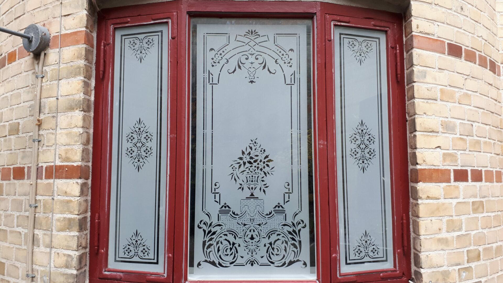Sandblæsning på glas giver mange muligheder for dekoration