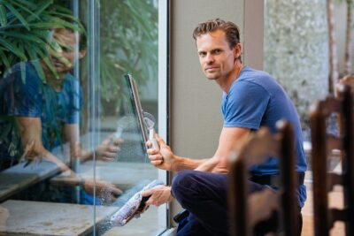 Se Glarmesterlaugets gode råd til rengøring af glas