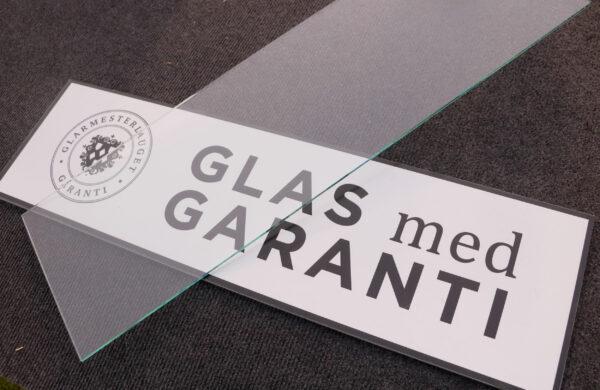 Kig efter garantimærket Glas med garanti, når du skal vælge glarmester til din næste glasløsning - så er du dækket godt ind.